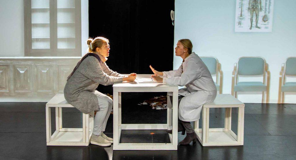 Ilya Parenteau as Alida and Rosie Thorpe as Beth in Breadcrumbs